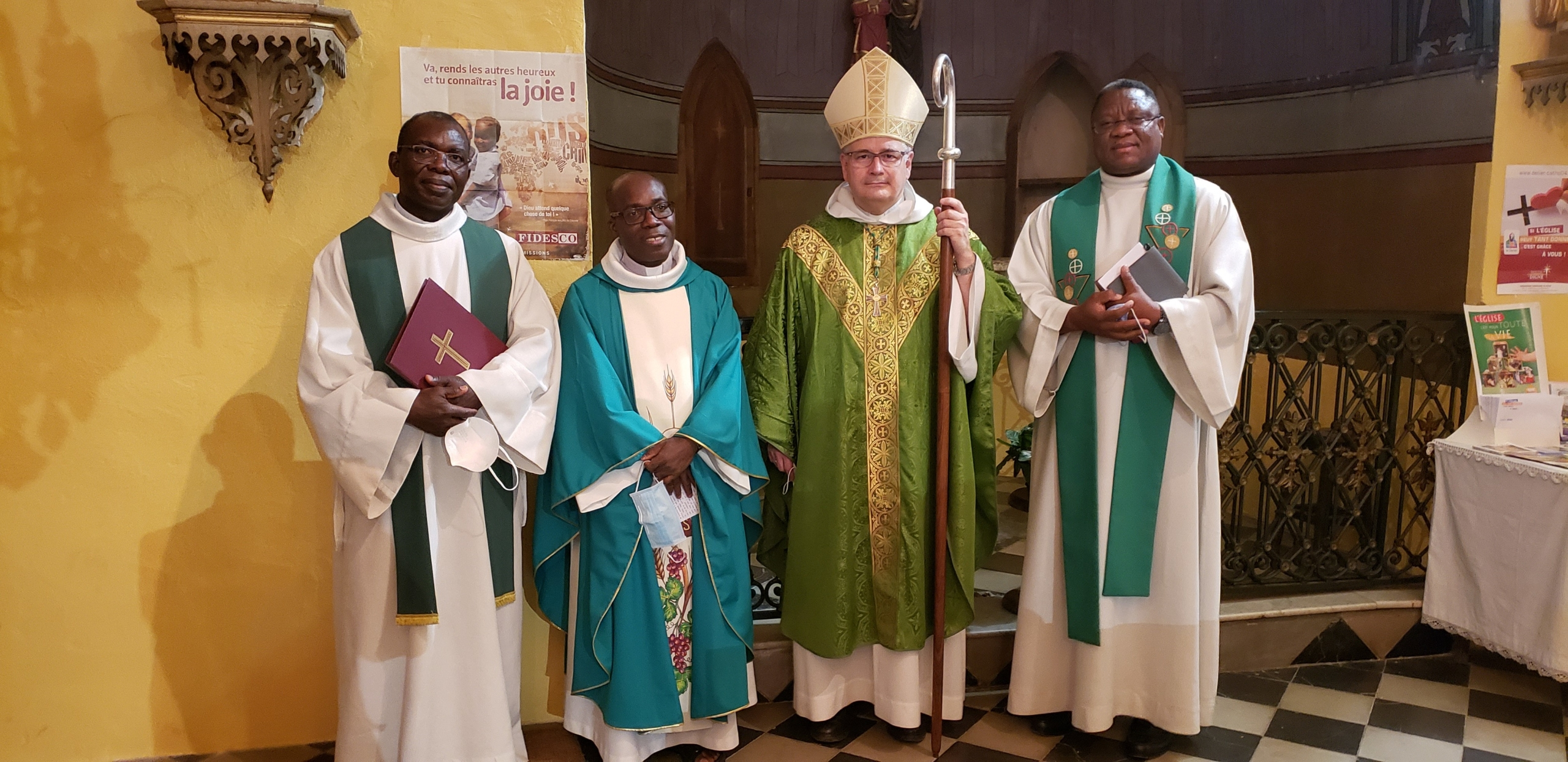 Bienvenue au Père Samuel !